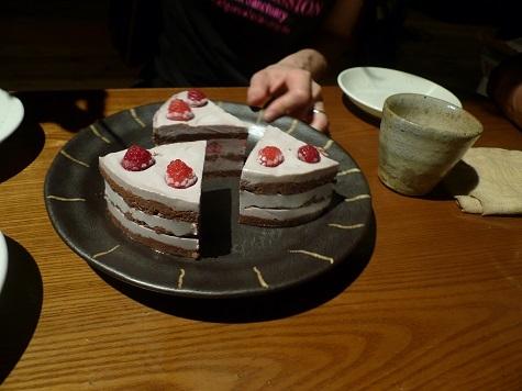 チョコとラズベリーのケーキ1