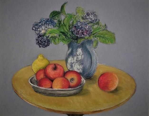18.6.10 イオン、テーブルの上の林檎と紫陽花  (13)