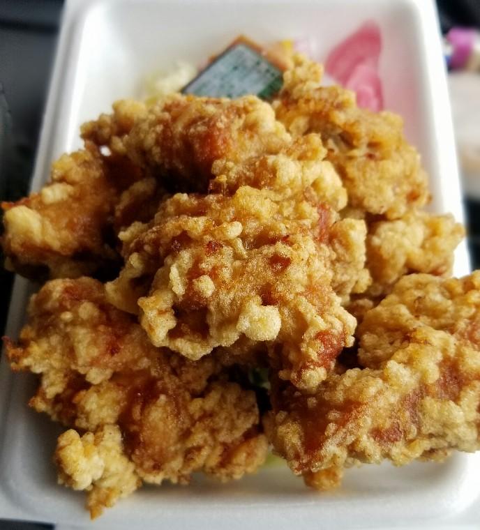 横浜青葉区の地元で評判の唐揚げ弁当を食べてみた
