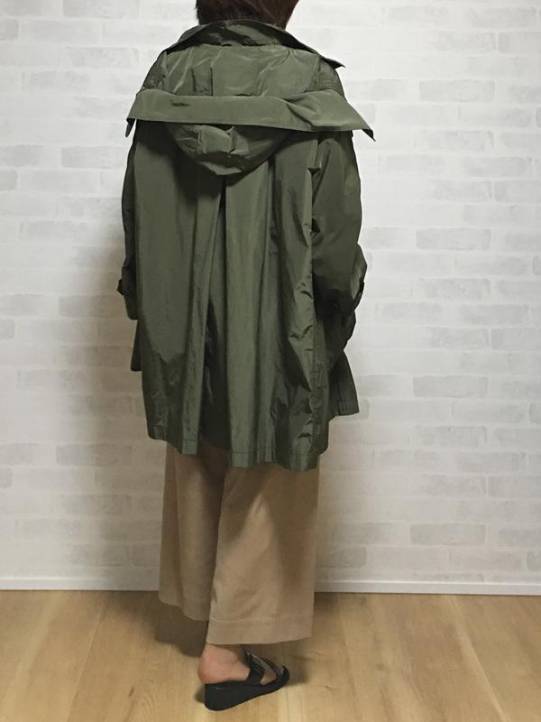 セブンティのフード付きゆるっとラインの着やすいコート