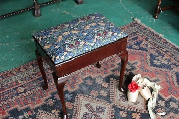 イギリスアンティーク家具 スツール1