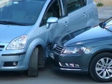 car_vs_car[1]