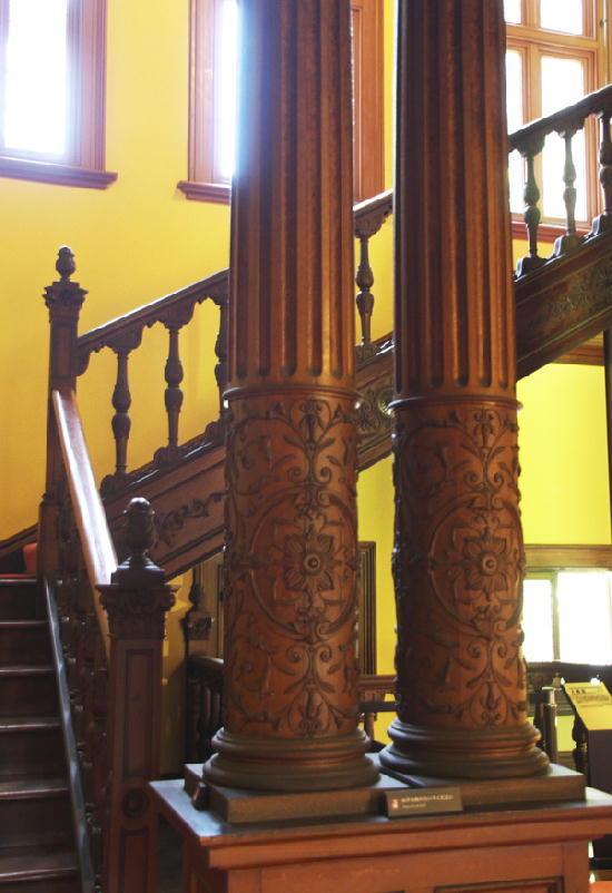 ホールの柱-336