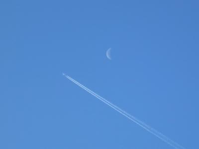 180410-11=三日月と飛行機fmPBR