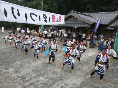 180727-39=ONA祇園まつり棒踊り by子供 aONA温泉前