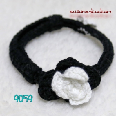 バラ付きゆる編み首輪