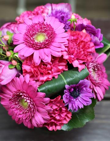 ルビー 誕生石 サプライズ 花束 誕生日