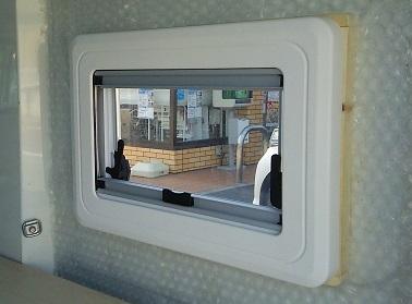 窓設置 (1)