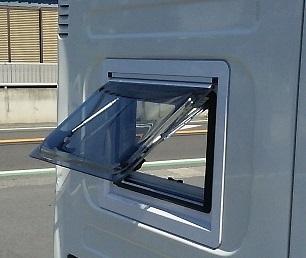 窓設置 (2)