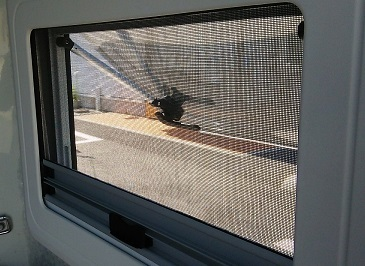窓設置 (3)