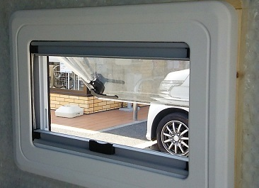窓設置(8)