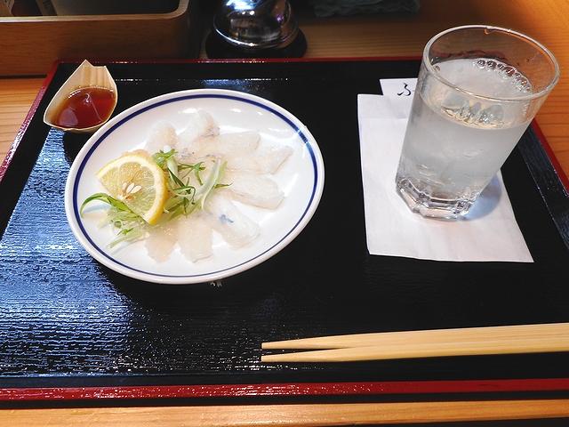 阪神スナックパーク ふじ屋 オコゼの薄造りと宝剣