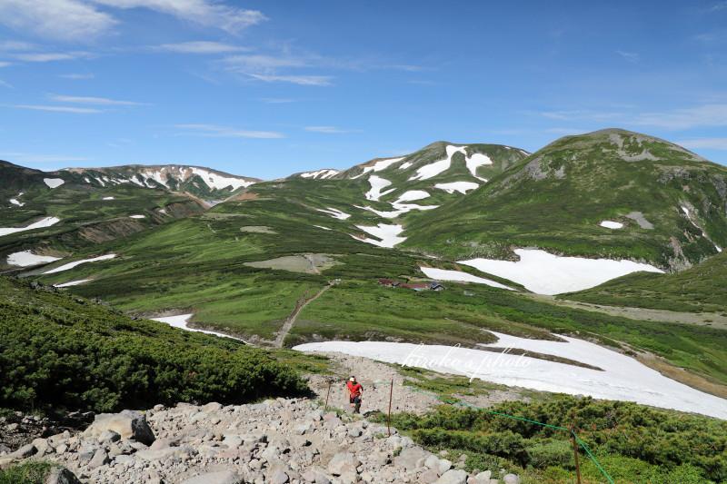 石室と白鳥の雪渓  29630001署名入りedited