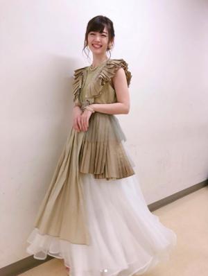 鈴木愛理インスタ20180629ごごウタ衣装02