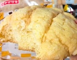 ザクザク音がするメロンパン
