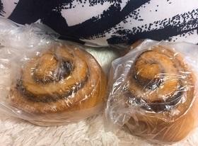 イケアのシナモンロール90円