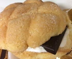 板チョコメロンパン