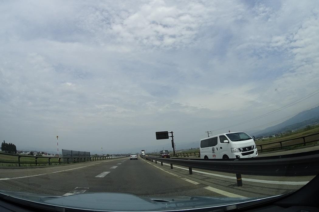 会津西街道を経て米沢へ