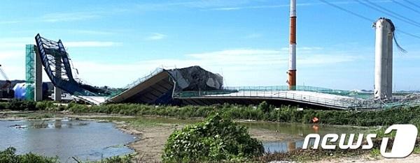 ▼2017年8月、韓国で工事中のピョンテクホ横断大橋が崩壊▼