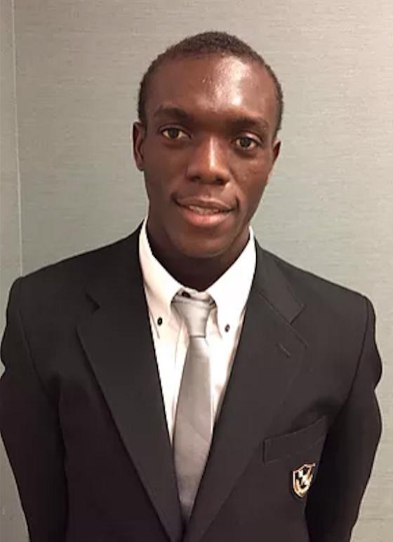ペティ・ヴァカ・エルビス 平成14年12月1日生まれコンゴ共和国からの留学生で延岡学園バスケットボール部の5番の1年生 身長204cm