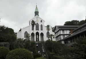 世界文化遺産に登録が決定した「大浦天主堂」(30日、長崎市で)=坂口祐治撮影