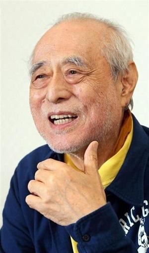 津川雅彦さん=2015年10月28日、東京・西新橋(野村成次撮影)