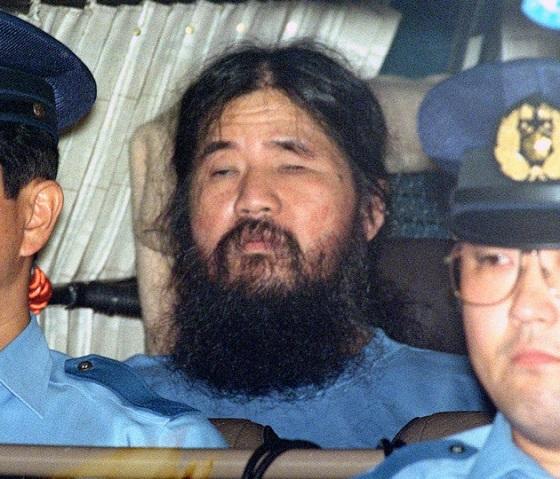 オウム真理教・松本智津夫死刑囚ら7人の死刑執行 (写真=共同) :日本経済新聞