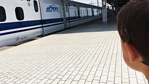 岐阜羽島駅_N700系_発車する2018_01