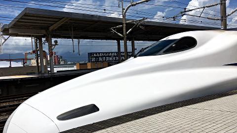 岐阜羽島駅_N700系_発車する2018_02