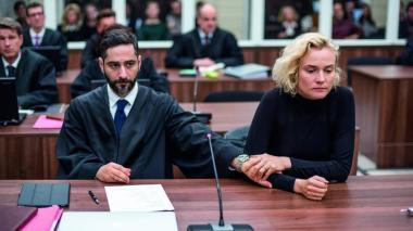 ファティ・アキン 『女は二度決断する』 カティア(ダイアン・クルーガー)と弁護士。第二部は「正義」と題されている。