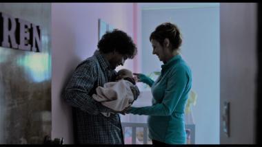 『母という名の女』 アブリルは子供を餌にして父親マテオを自分のところに囲い込むことに……。