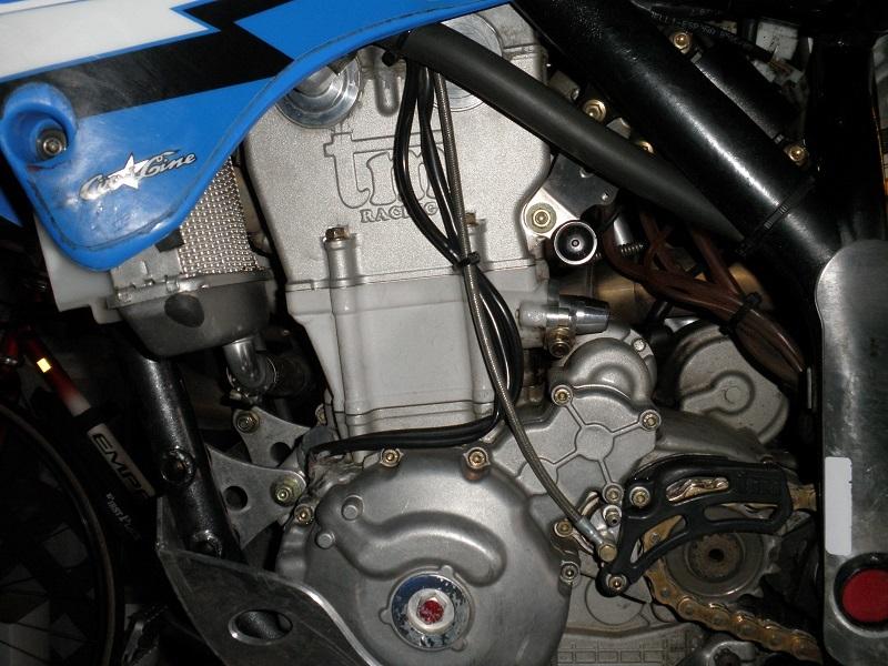 洗車後のエンジン