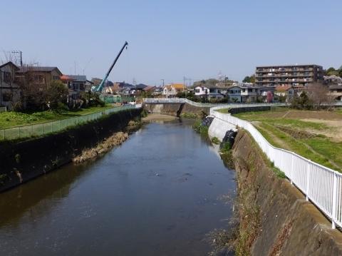 六会橋より引地川上流を望む