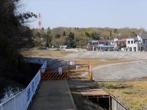 比留川の工事中調節池