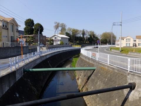 新道橋上流の比留川