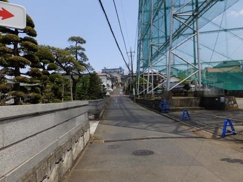 比留川から見た東名高速南側の風景