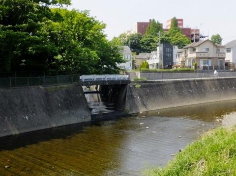 境川に合流する深堀川