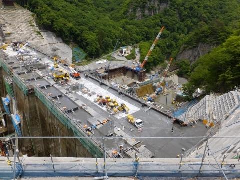 八ッ場ダム直下の八ッ場発電所