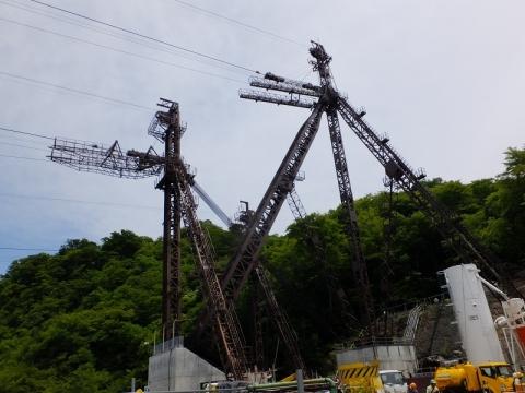 建設工事中の八ッ場ダム・ロープウエー