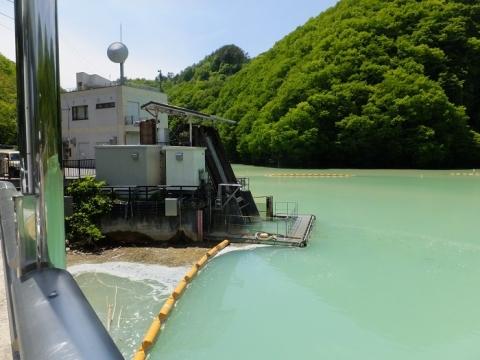 品木ダム・湯川発電所取水口