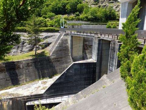 広瀬ダム洪水吐