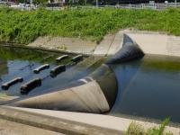境川のゴム堰・俣野堰が膨らむ様子
