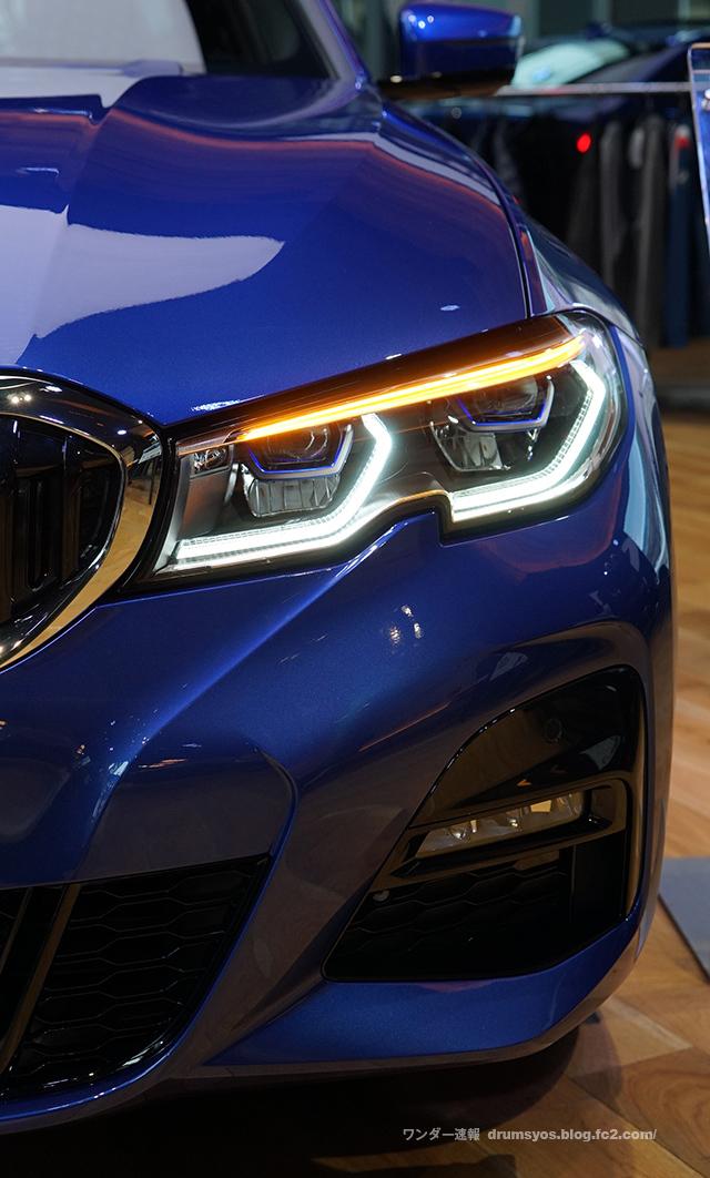 BMW3series330i_15.jpg