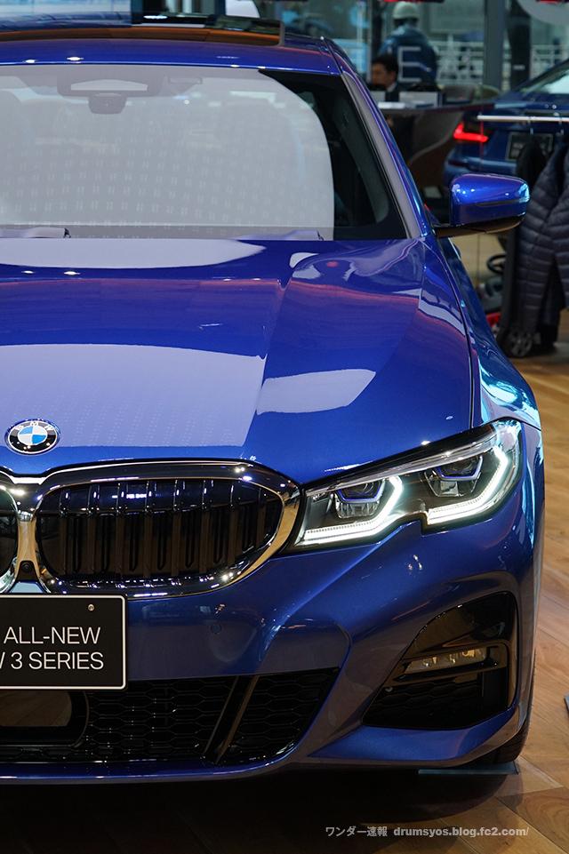 BMW3series330i_21.jpg