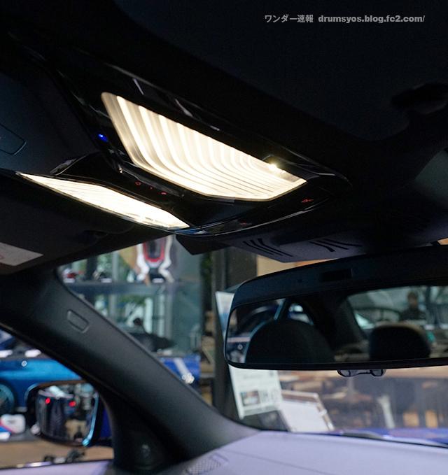 BMW3series330i_42.jpg
