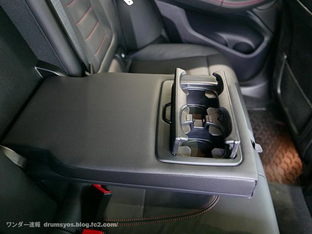 BMWX4_32.jpg