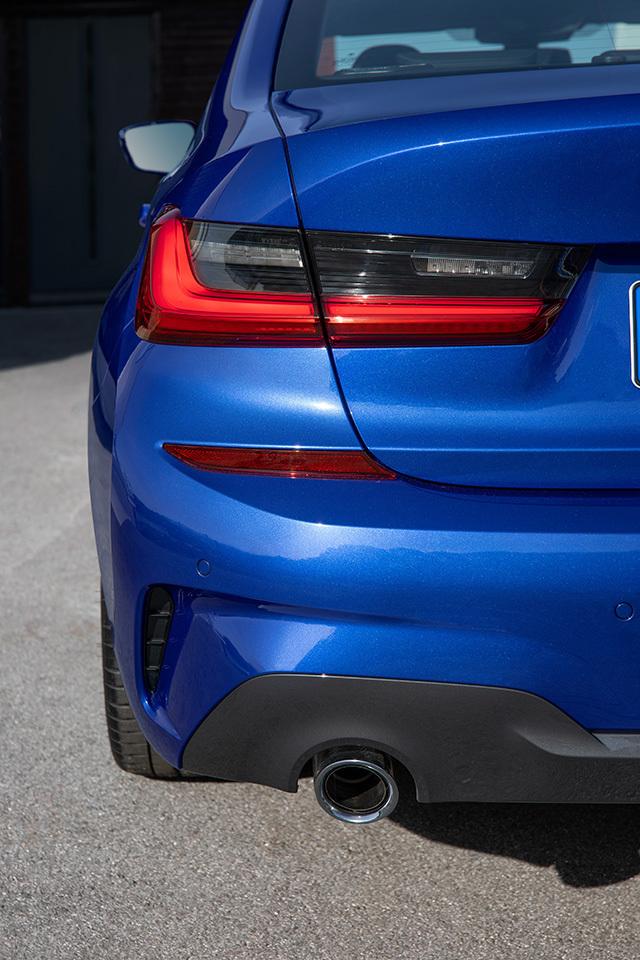 BMWnew3series05.jpg