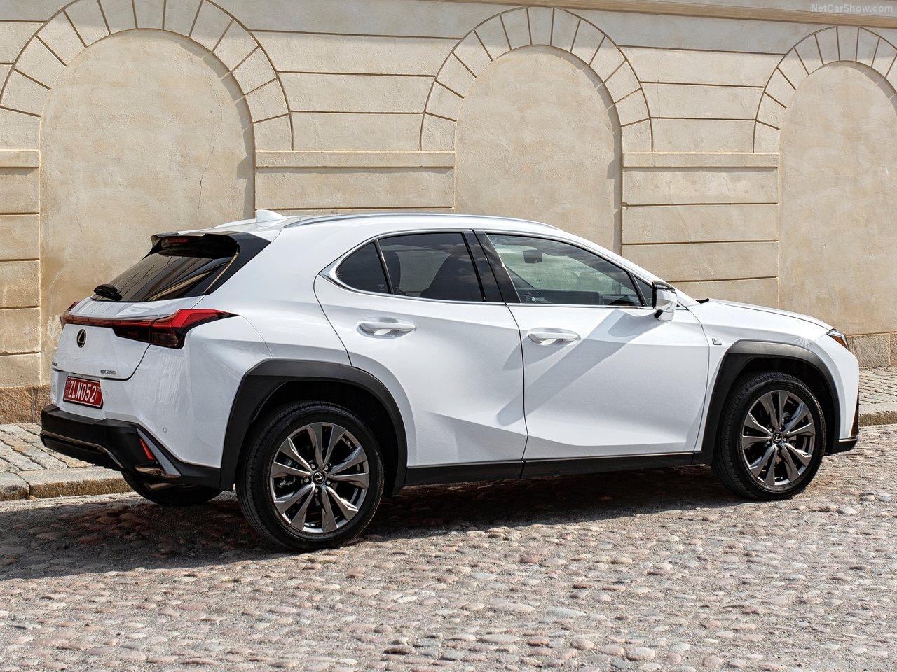 Lexus-UX-2019-1280-4d.jpg