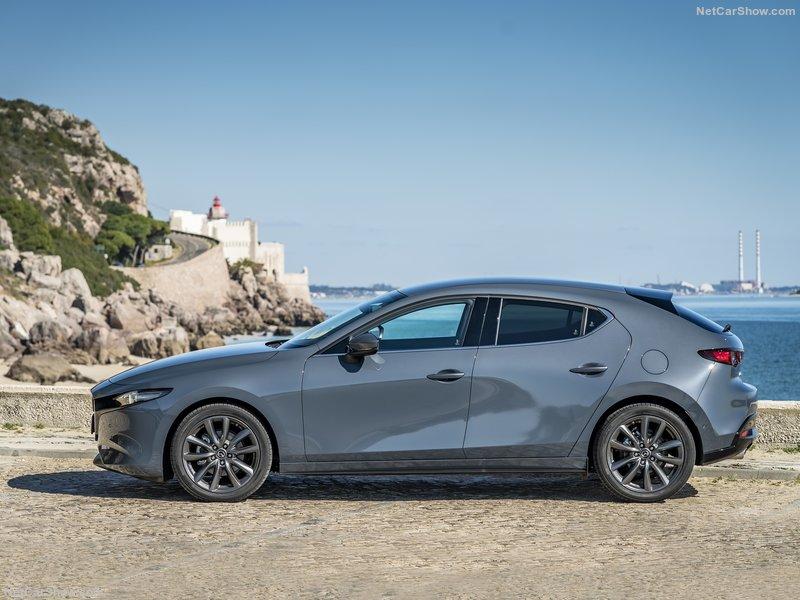 Mazda-3-2019-800-41.jpg
