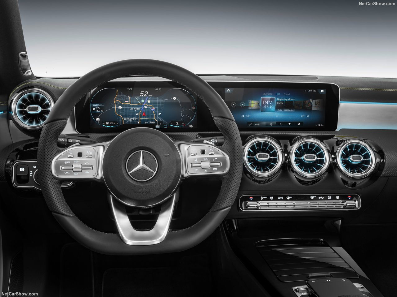 Mercedes-Benz-A-Class-2019-1280-34_2018102509035956f.jpg